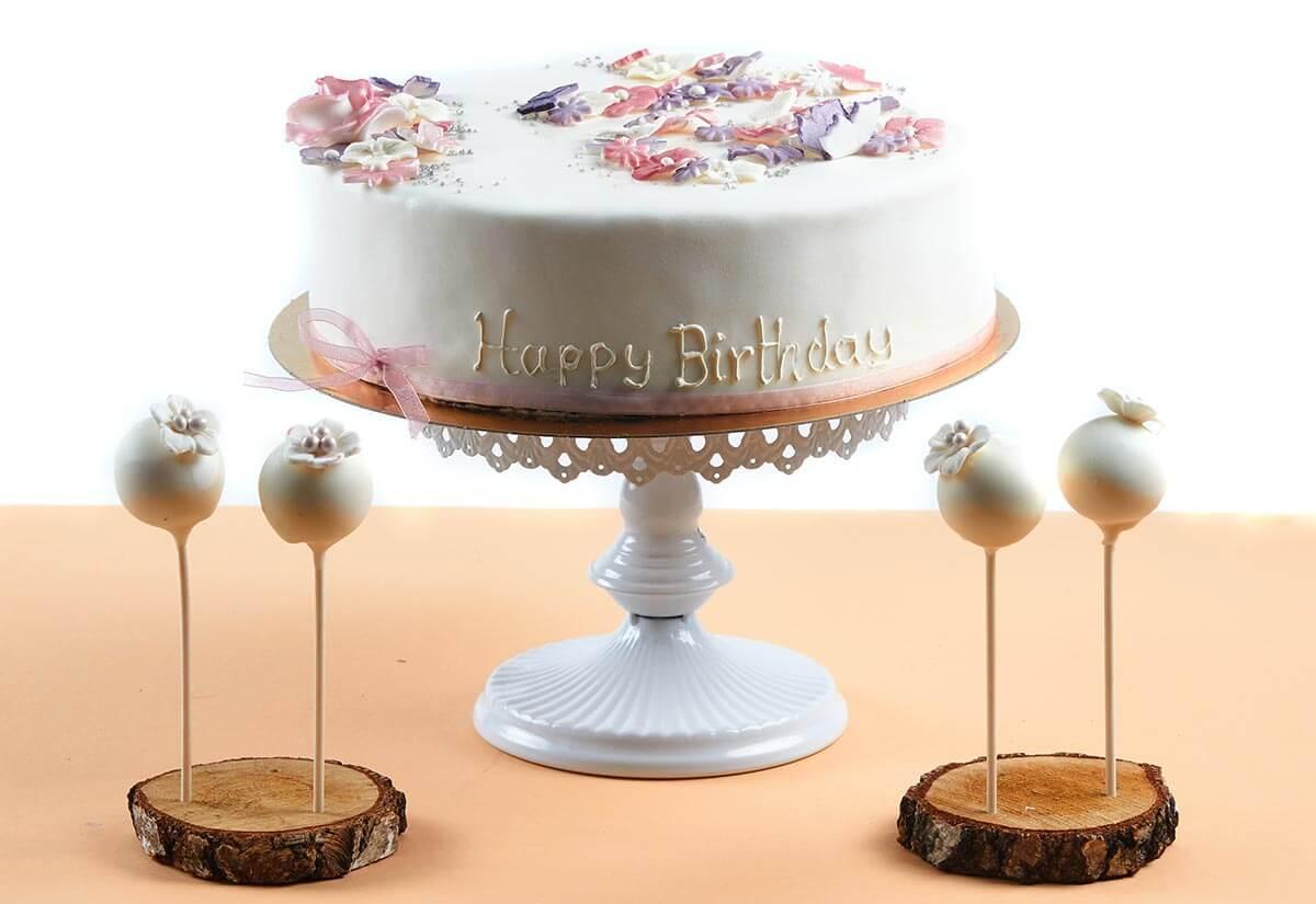 Geburtstagstorte mit Cake Pops